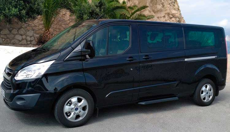 Transfers and taxis by minivan for 6 passengers from Almería airport to Benidorm.