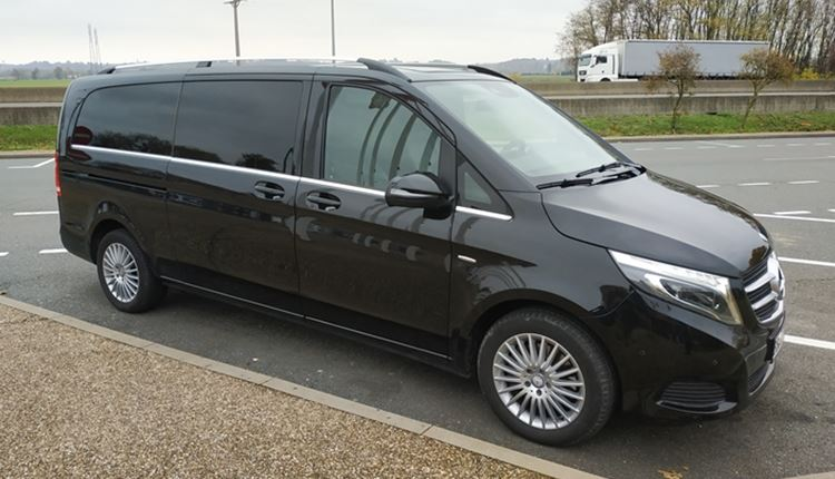 Transfers from Madrid Airport in executive and VIP minivan.