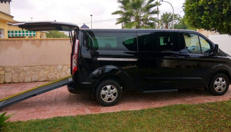 Transfers in vehicles adapted for people with reduced mobility from Alicante Airport to Denia.
